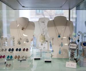 En Mitos You encontrarás complementos: pulseras, pendientes, collares, diademas...