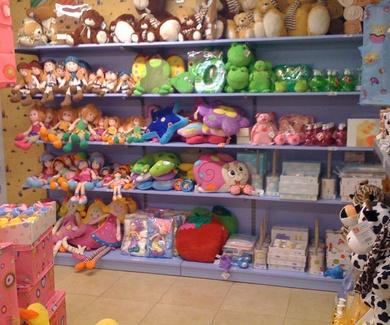 Mobiliario para tiendas de Regalo, Menaje, Decoración, Bazar, en Barcelona