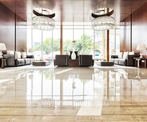 Las ventajas de los suelos de mármol en el hogar