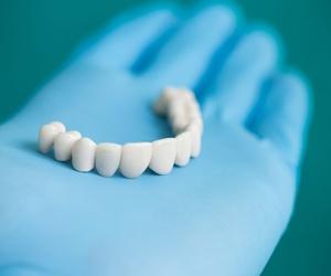 Prótesis dentales en Moratalaz