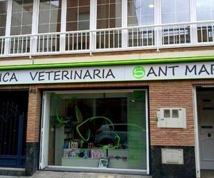 Fachada de nuestro centro veterinario en Almazora