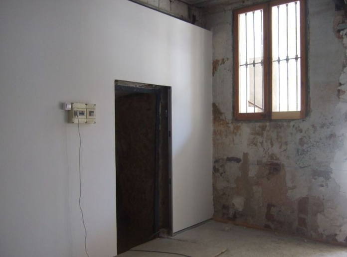 Ref. LU-441  - Alquiler Local comercial en Falset: Inmuebles y fincas de Immobles Priorat