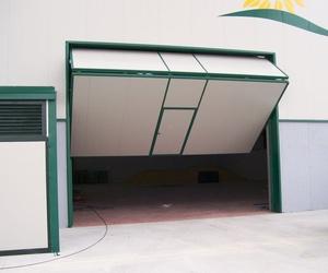 Puertas industriales manuales y automáticas en Valladolid