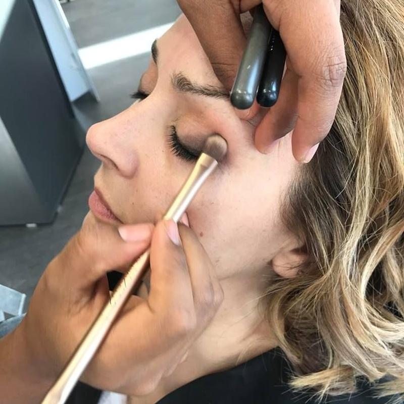 Maquillaje para novias: Servicios de Llongueras Oviedo