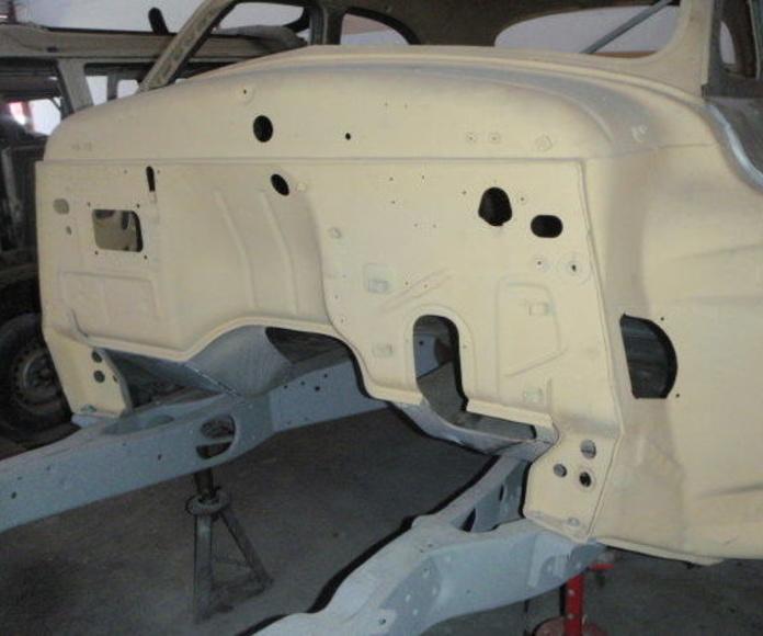 Taller que restaure coche Packard en Madrid