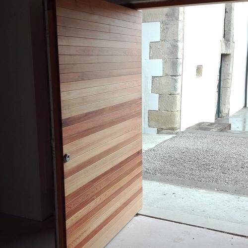 Puerta basculante cedro rojo Santader