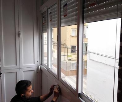 Sácale partido a tu balcón. Cierre y armario en aluminio