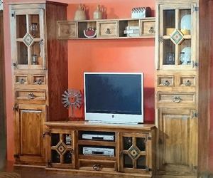 Mueble rústico de salón en Muebles Seseña