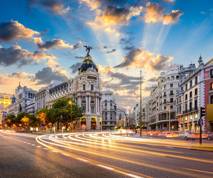 Madrileando: Viajes de James Bird Travel