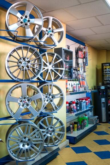 Taller de neumáticos: Servicios de Móvil Luján