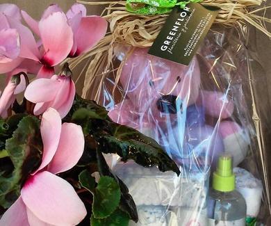 *Tartas de pañales recien nacidos.Envia flores Barcelona