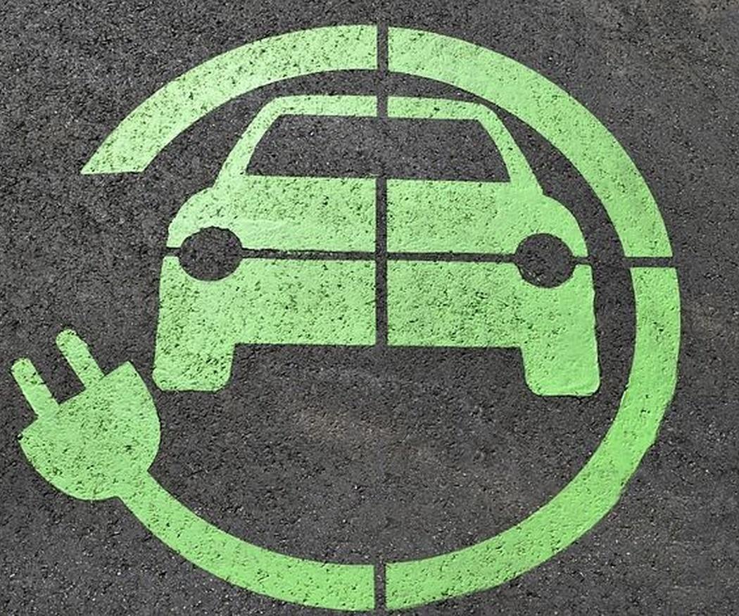 Los vehículos de hoy: de repostar a recargar