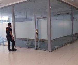 Cerramientos de cristales en interiores en Malaga