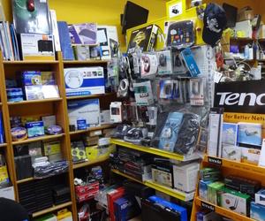 Interior tienda detalle productos.