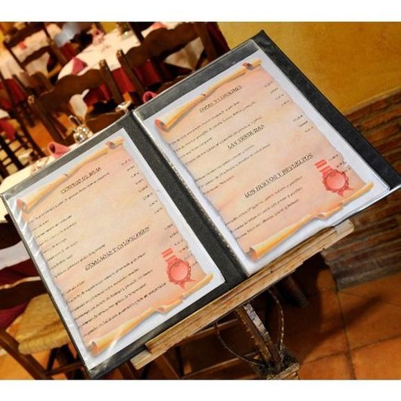 Los Entrantes : Instalaciones y Servicios  de Restaurante - Hotel  de Carretera El Oasis**