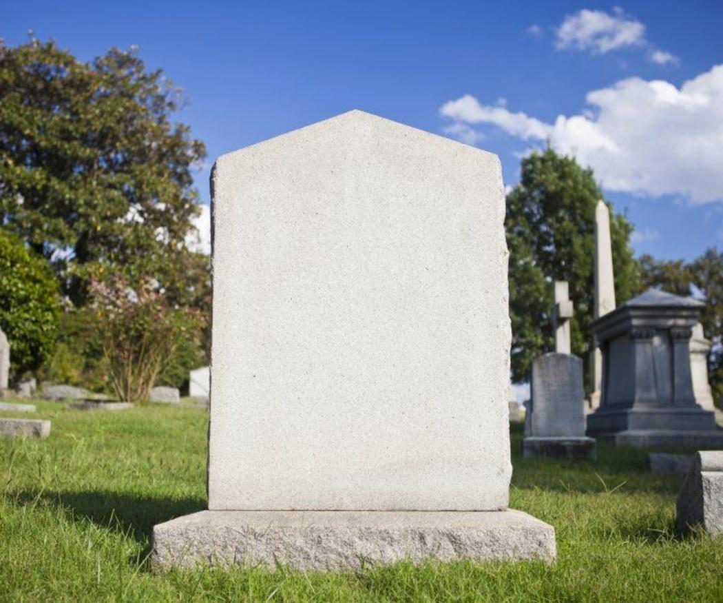 Qué tener en cuenta al elegir la lápida