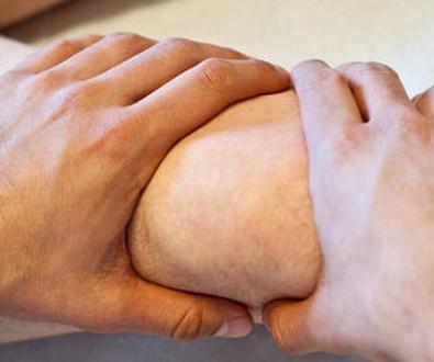 ¿Que puede hacer la terapia natural para el dolor de rodilla?