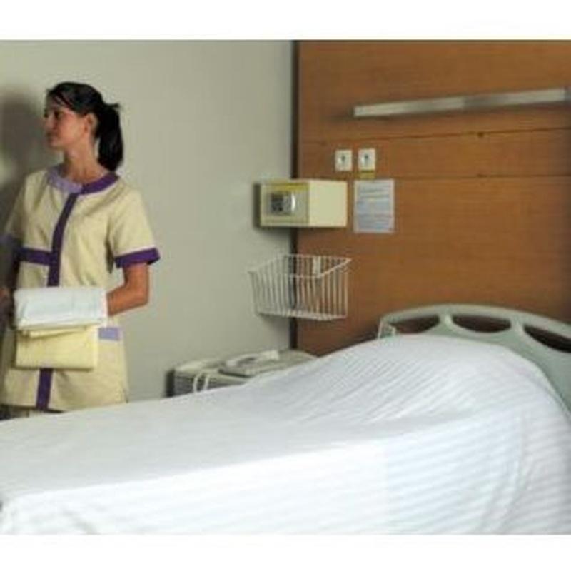 Ropa para los establecimientos de salud: Productos y servicios de Elis Manomatic