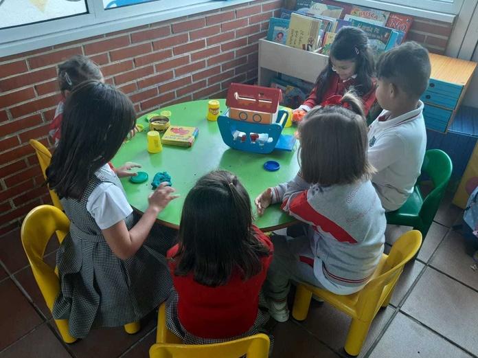 Para madrugadores!! ¡¡ Recogida de niños del colegio y servicio de comedor !!