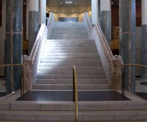 Escaleras de mármol y granito