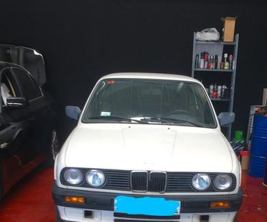 Desmontaje y vano motor BMW E30