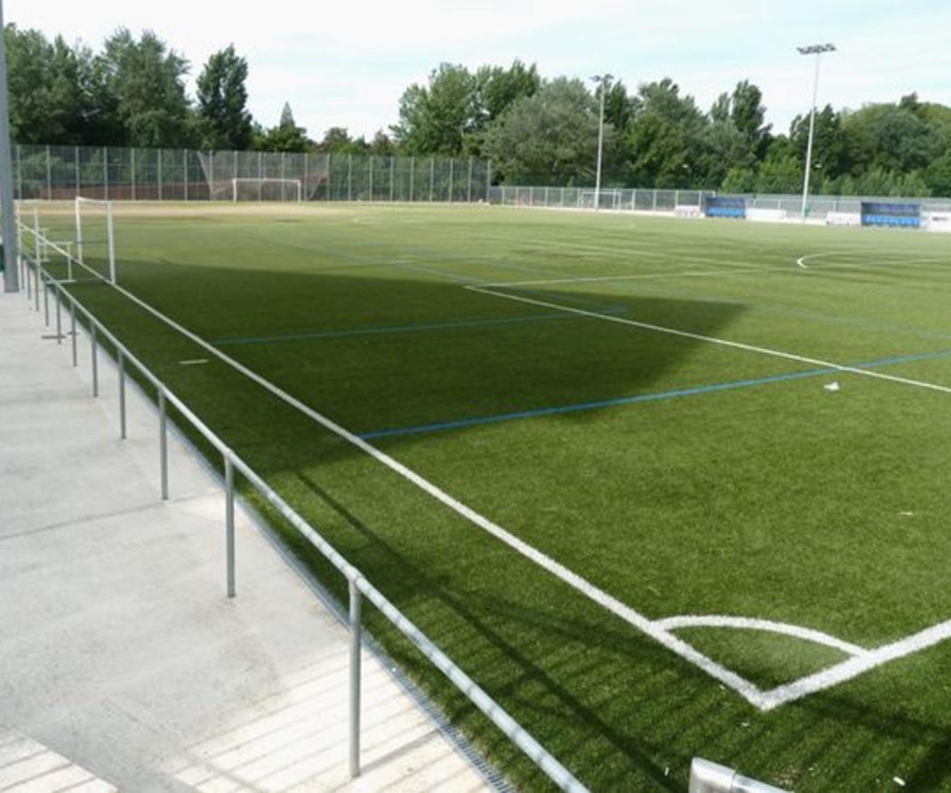 Características del césped artificial para campos de fútbol