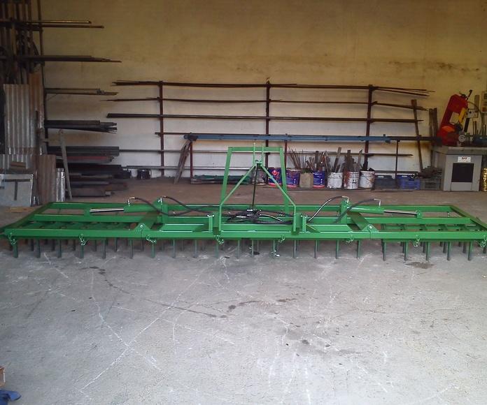 Rastra agrícola extensible de hidráulicos.