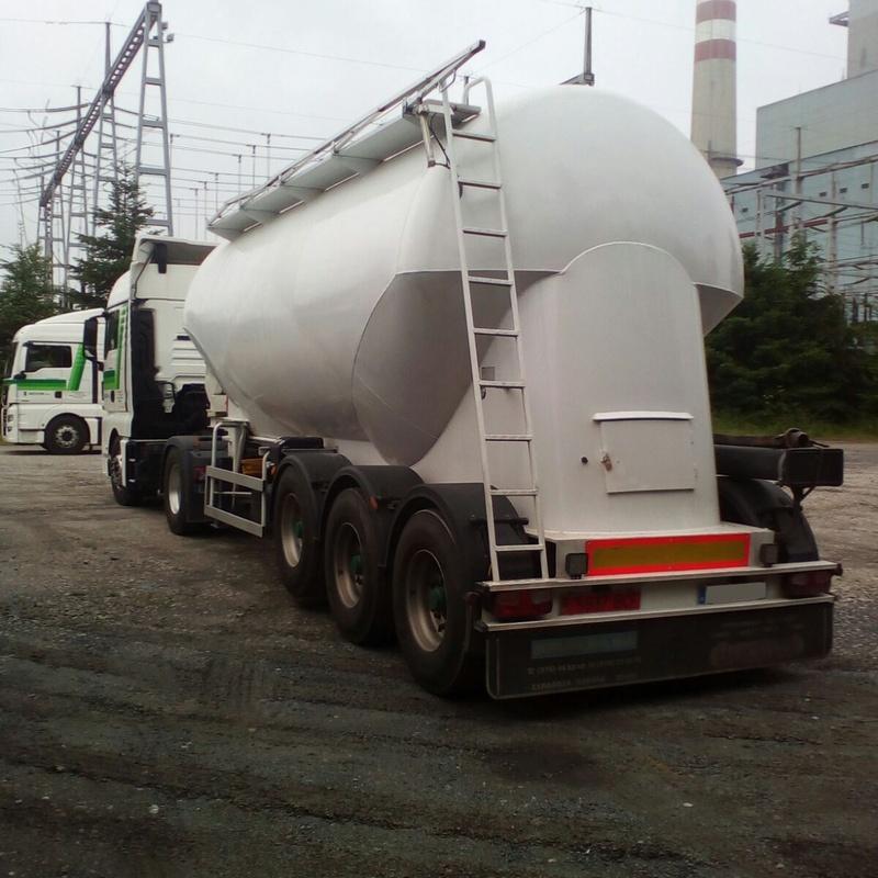 Cisternas de pulverulentos: Servicios de Silvano S.A. - (Carbones y Transportes)