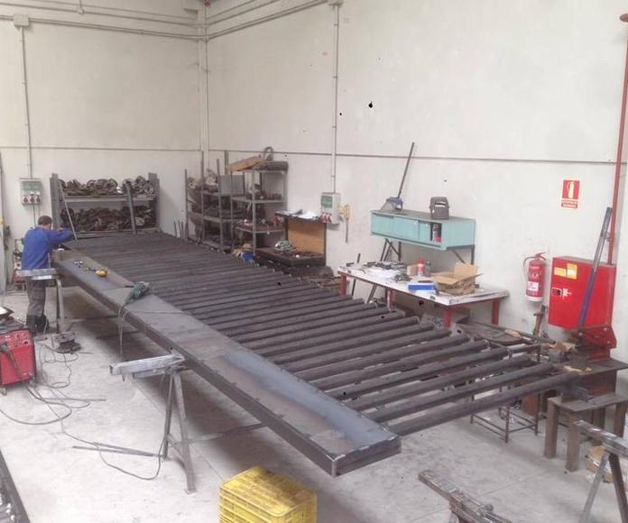 Fabricación , instalación y Automatizacion de puertas correderas