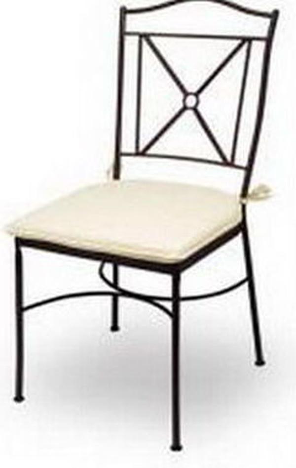 Alquiler de sillas de  forja.