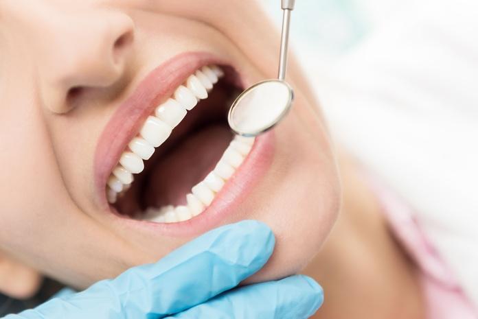 Estética dental: Tratamientos de Clínica Dental Dr. Emilio Reimat