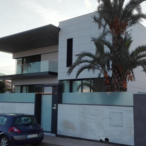 Trabajos de aluminio realizados en viviendas de alto standing