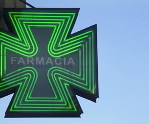 Farmacia con productos de dermocosmética