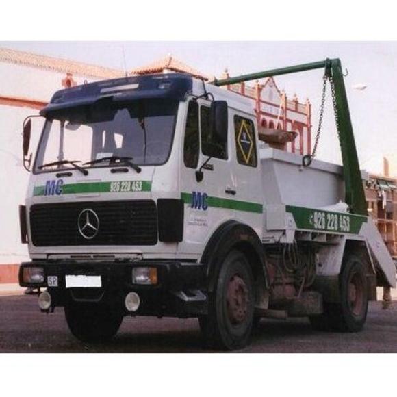MC Contenedores: Servicios de MC Vehículos - Transcalyguz