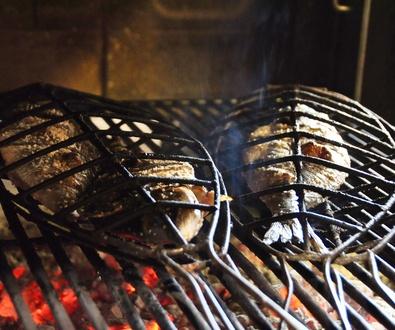 Carnes, pescados, verduras, caracoles... a la brasa de leña