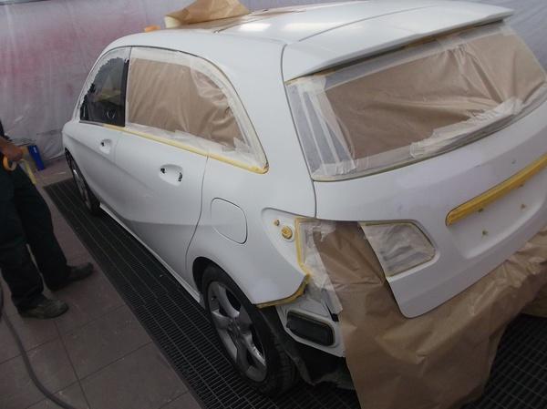 Taller de chapa y pintura en taller con coche de sustitución en Cabezón de la Sal