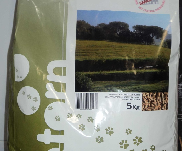 Lecho de madera: Catálogo de Clínica Veterinaria Rocafort