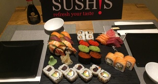 Variados sushi - sashimi (assorted sushi - sashimi)