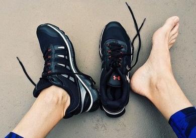¿Cómo quitar el mal olor de los pies y zapatillas?