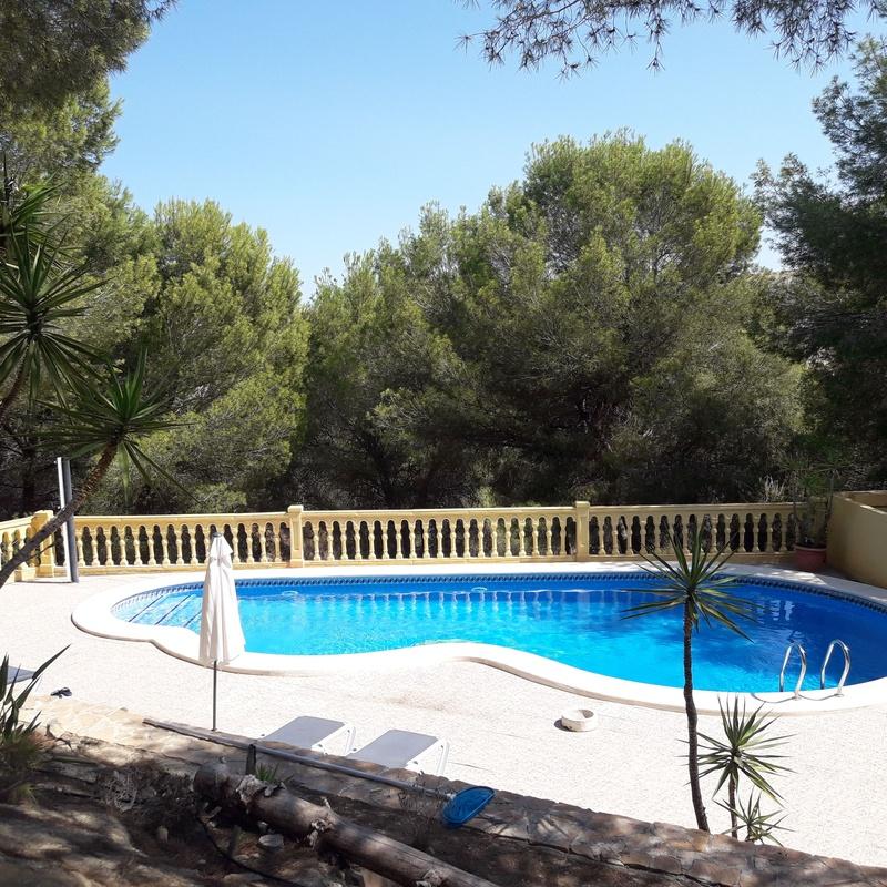Mantenimiento de piscina en La Pinada