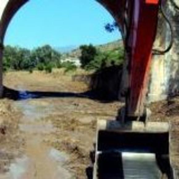 Limpiezas forestales: Productos y servicios de Alquileres Frías Málaga