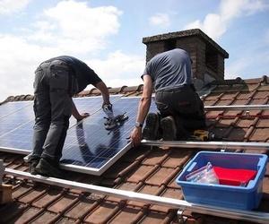 Instalación de paneles solares en tejado en Alicante