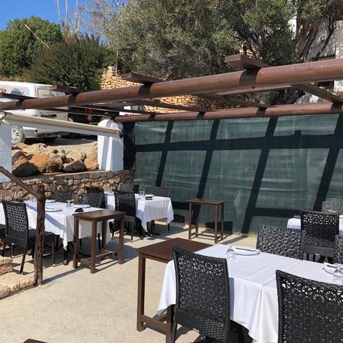Es Boldadó Ibiza, restaurante con buen ambiente mediterráneo