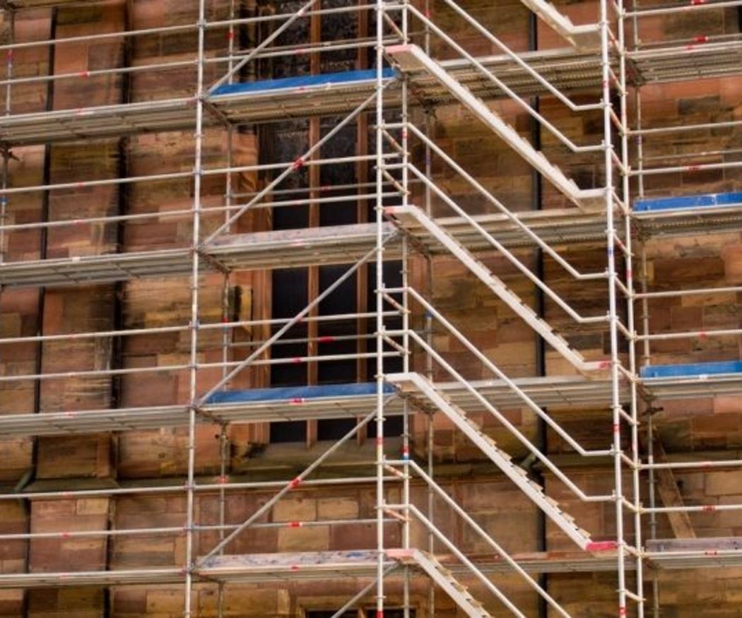 ¿Es lo mismo rehabilitar que reformar una fachada?