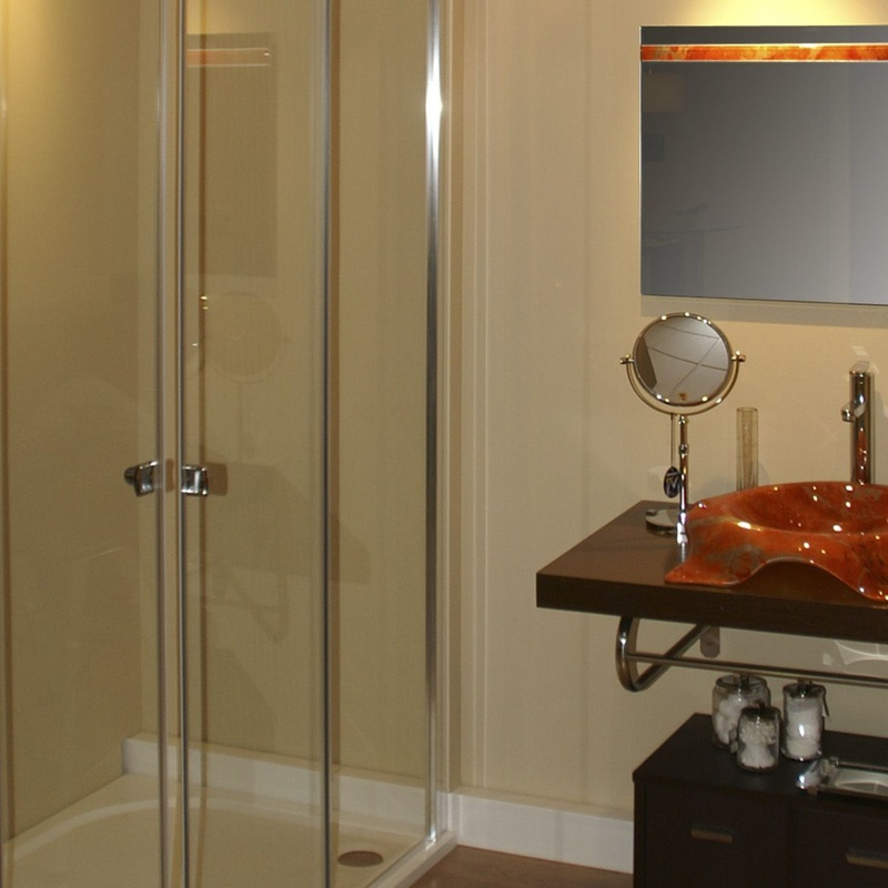 Mamparas ducha y baño en cristal a medida: Servicios de Cristalería Lara, S.L.