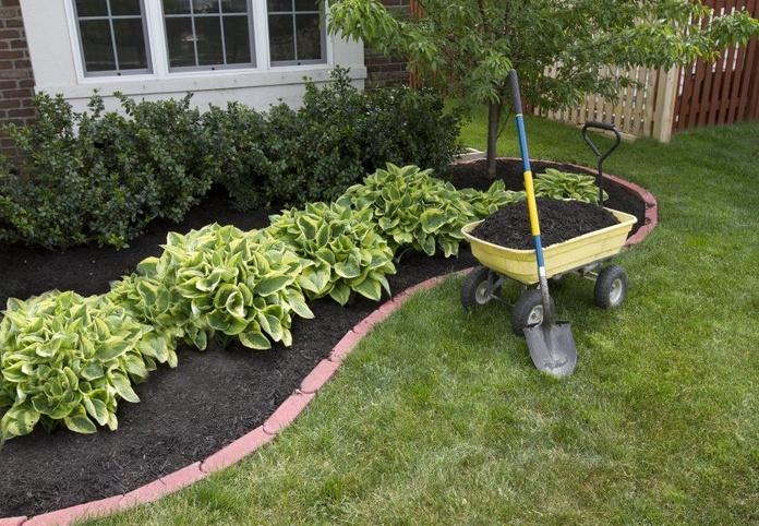 Construcción de jardínes: Servicios de Jardinería Román Bernal