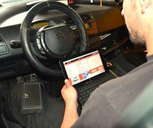 Taller especializado en Aston Martin, Bentley, Ferrari, Maserati, etc. en Sevilla