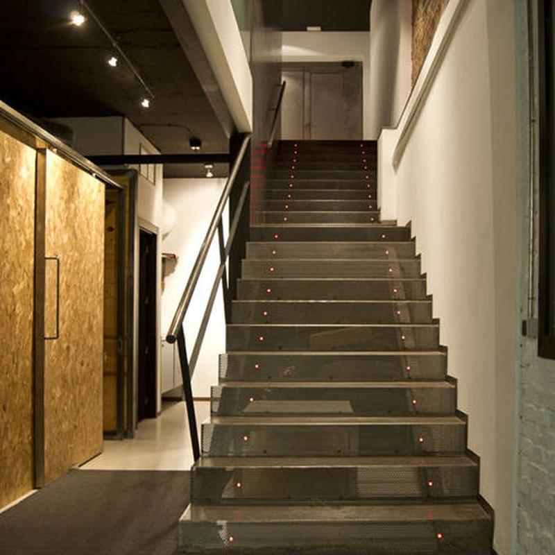 Escaleras de estudio: Servicios y Productos de Cerrajería Avelino Izquierdo, S.L.