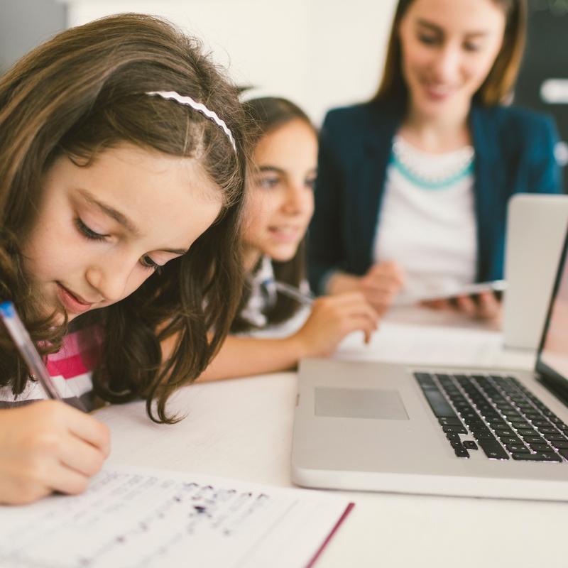 Primaria: apoyo diarios a deberes: Servicios de Academia Iowa