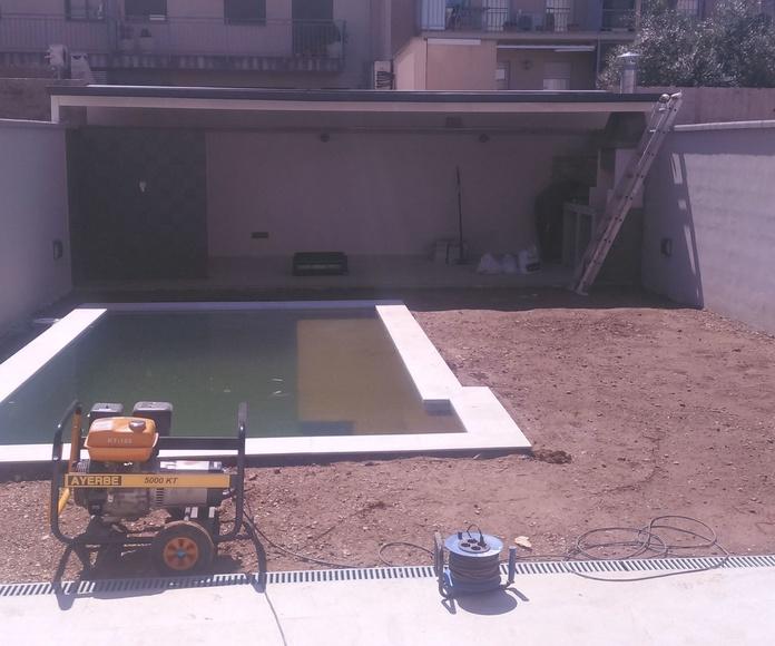 Jardin, Piscina. Casa unifamiliar: Servicios de Building Ingeniería SBD